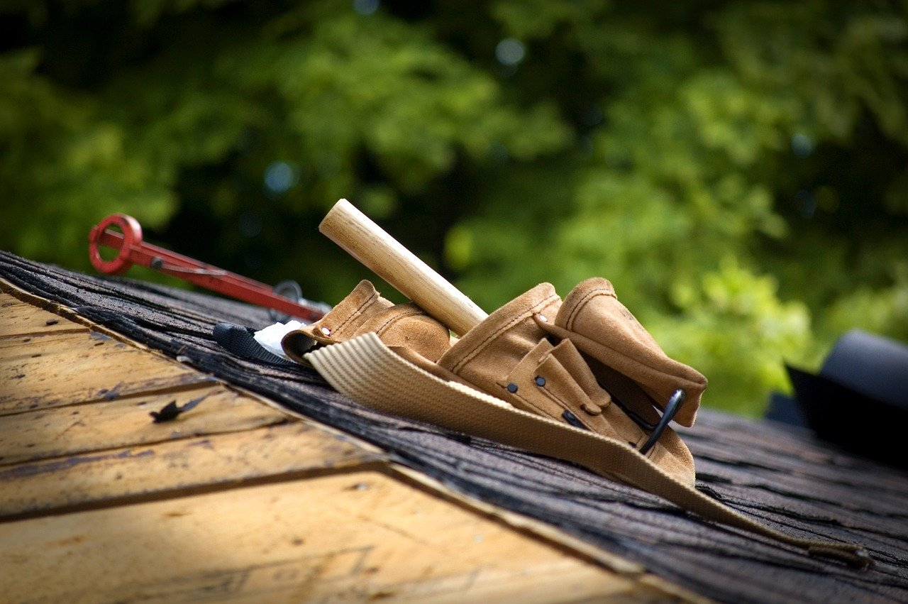 Picture of a roof with a tool box on it